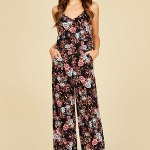 Pants - SALE!!!!!!Knit jumspuit with floral print